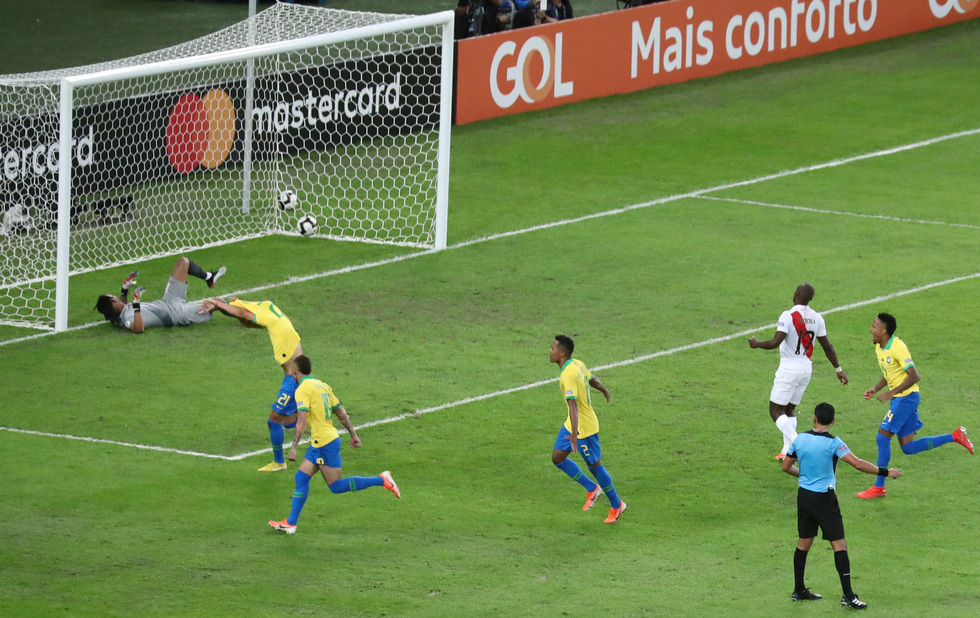 Tuyển Brazil tưng bừng mừng ngôi vương ở Copa America 2019 - Ảnh 5.