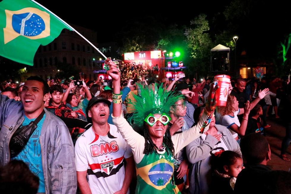 Tuyển Brazil tưng bừng mừng ngôi vương ở Copa America 2019 - Ảnh 14.