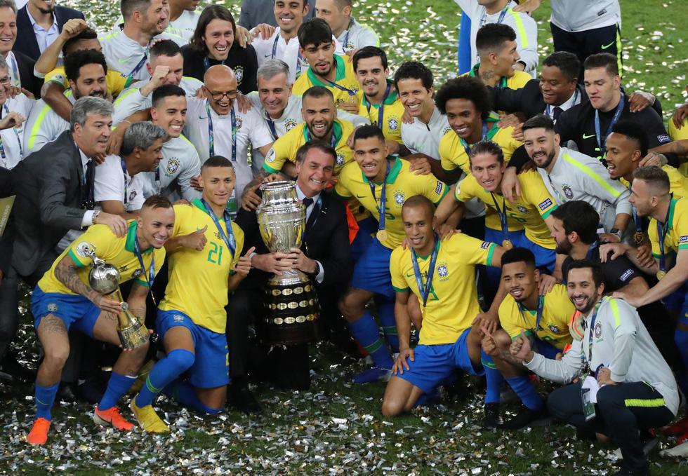 Tuyển Brazil tưng bừng mừng ngôi vương ở Copa America 2019 - Ảnh 11.