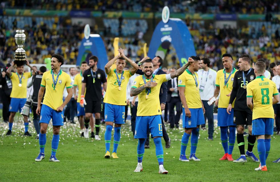 Tuyển Brazil tưng bừng mừng ngôi vương ở Copa America 2019 - Ảnh 13.