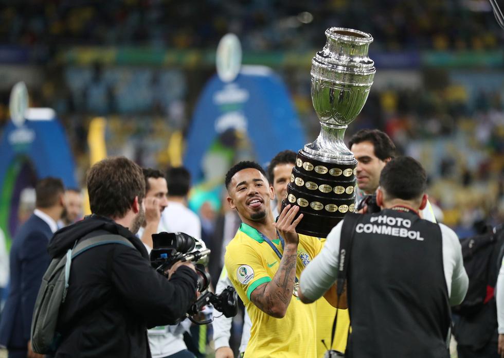 Tuyển Brazil tưng bừng mừng ngôi vương ở Copa America 2019 - Ảnh 12.