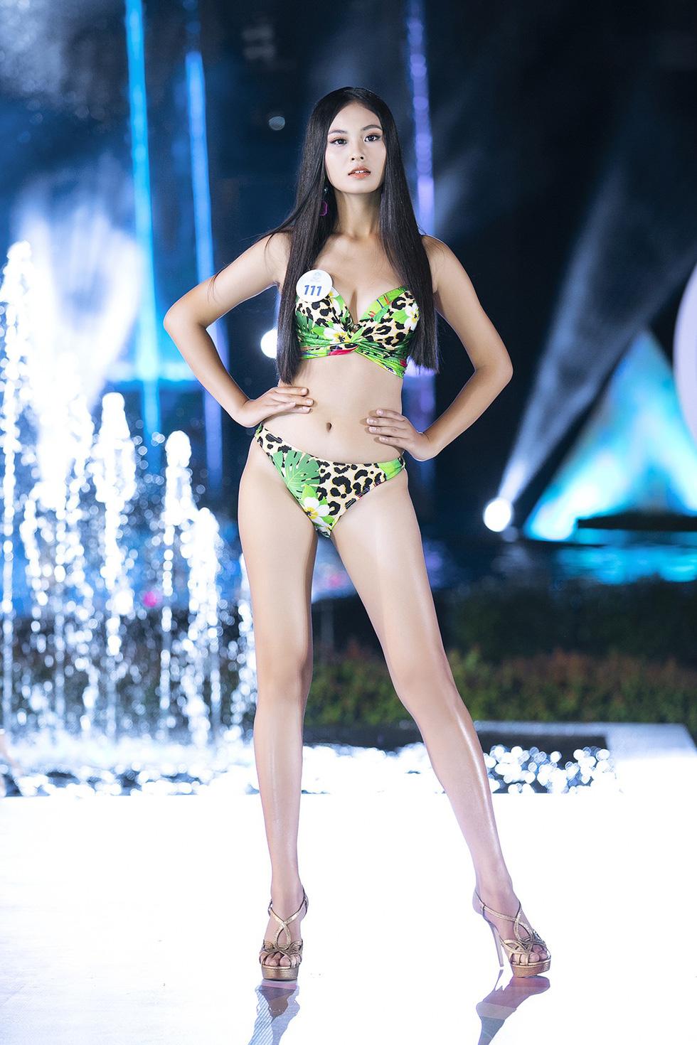 Đã chọn được 5 cô gái mặc bikini đẹp nhất Hoa hậu thế giới Việt Nam 2019 - Ảnh 11.