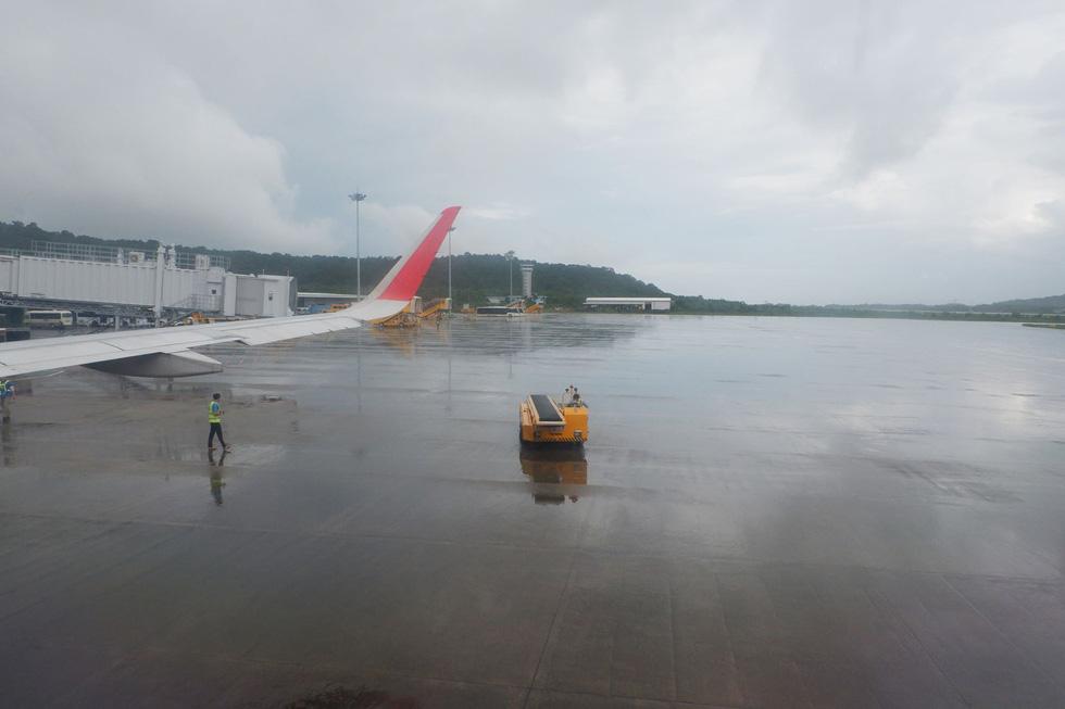 Hàng không tăng 16 chuyến bay giải tỏa khách ở Phú Quốc, Thượng Hải - Ảnh 1.