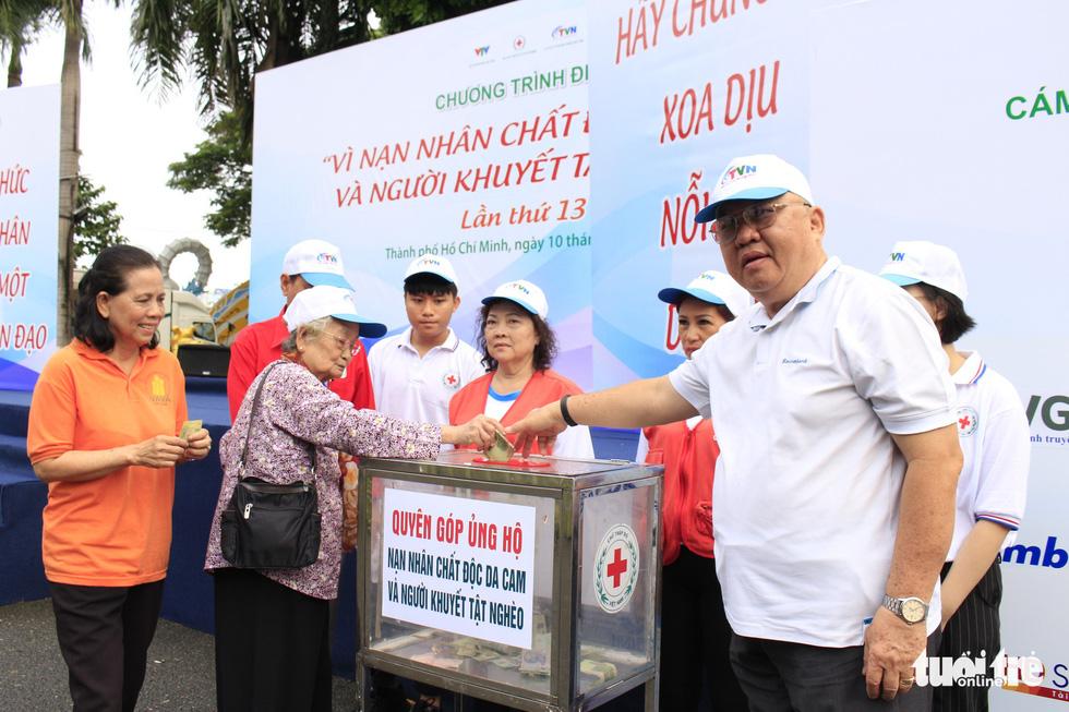 Hơn 5.000 người đi bộ vì nạn nhân chất độc da cam - Ảnh 8.