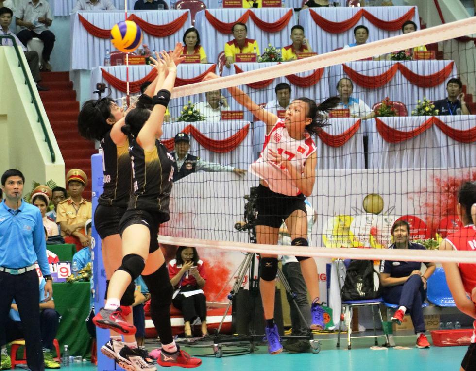 Tuyển nữ Việt Nam ngậm ngùi lỡ ngôi vô địch giải bóng chuyền VTV cup - Ảnh 5.