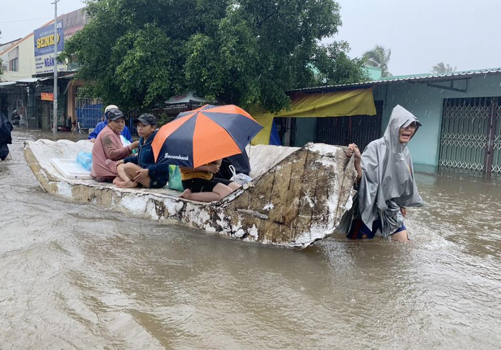 Đảo ngọc Phú Quốc bị nhấn chìm trong mưa lũ, ai biết tại sao? - Ảnh 4.