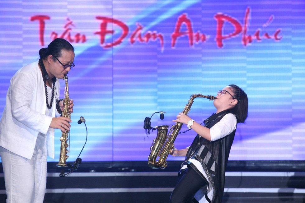 Con gái Trần Mạnh Tuấn ra MV đầu tay khi mới 15 tuổi - Ảnh 10.