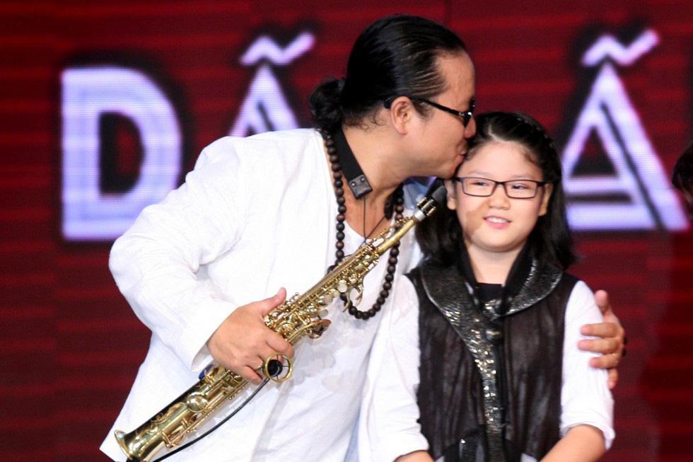 Con gái Trần Mạnh Tuấn ra MV đầu tay khi mới 15 tuổi - Ảnh 8.