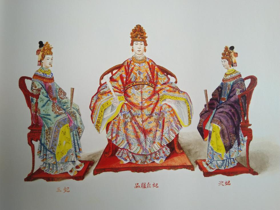 Trăm năm lưu lạc của bộ tranh quý Đại lễ phục triều Nguyễn - Ảnh 3.