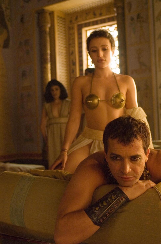 10 phim truyền hình Mỹ nhiều cảnh nóng hơn cả Game of Thrones - Ảnh 8.