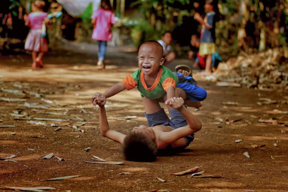Hai cụ già Việt Nam mãi yêu vào top 50 giải ảnh quốc tế về tình yêu - Ảnh 10.