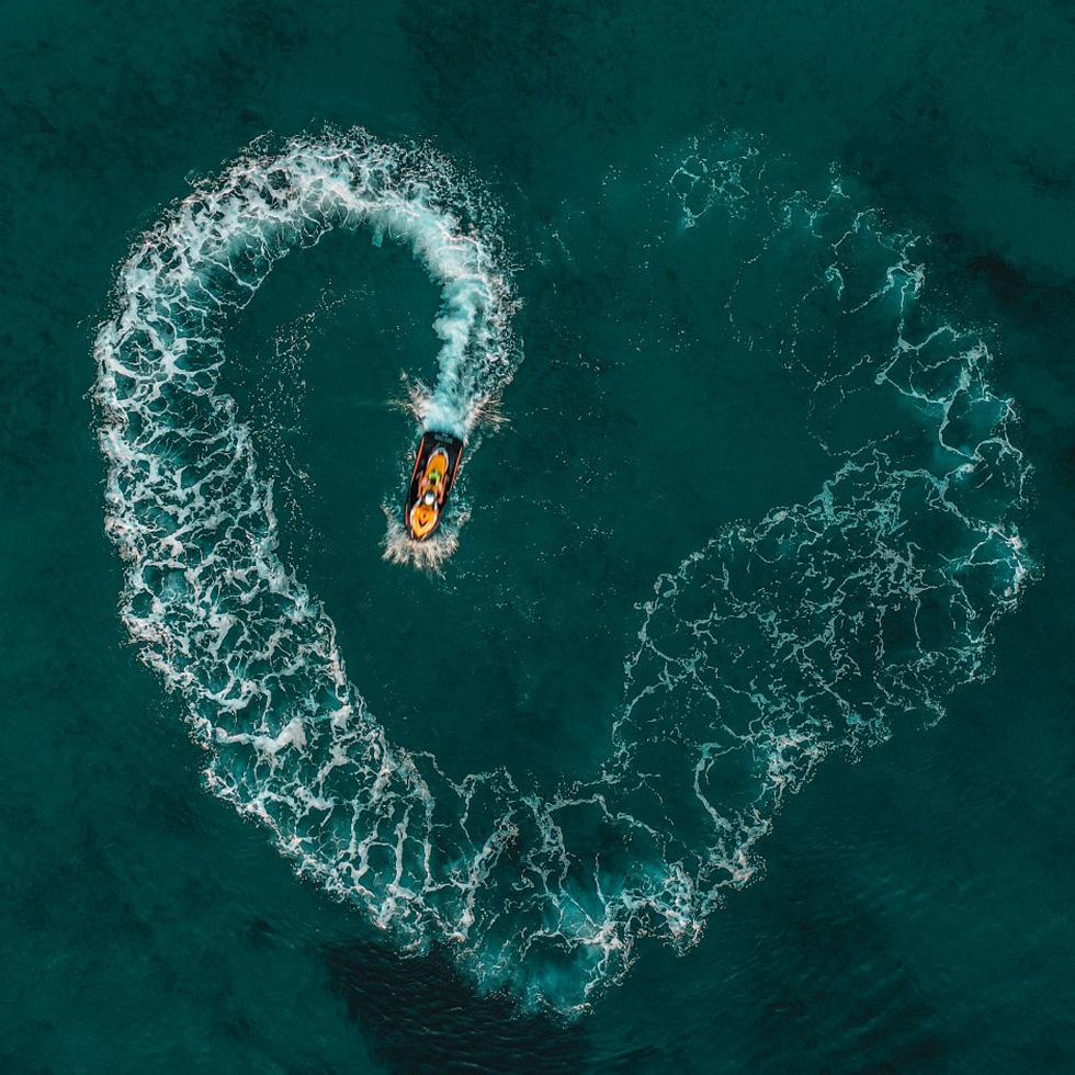 Hai cụ già Việt Nam mãi yêu vào top 50 giải ảnh quốc tế về tình yêu - Ảnh 3.