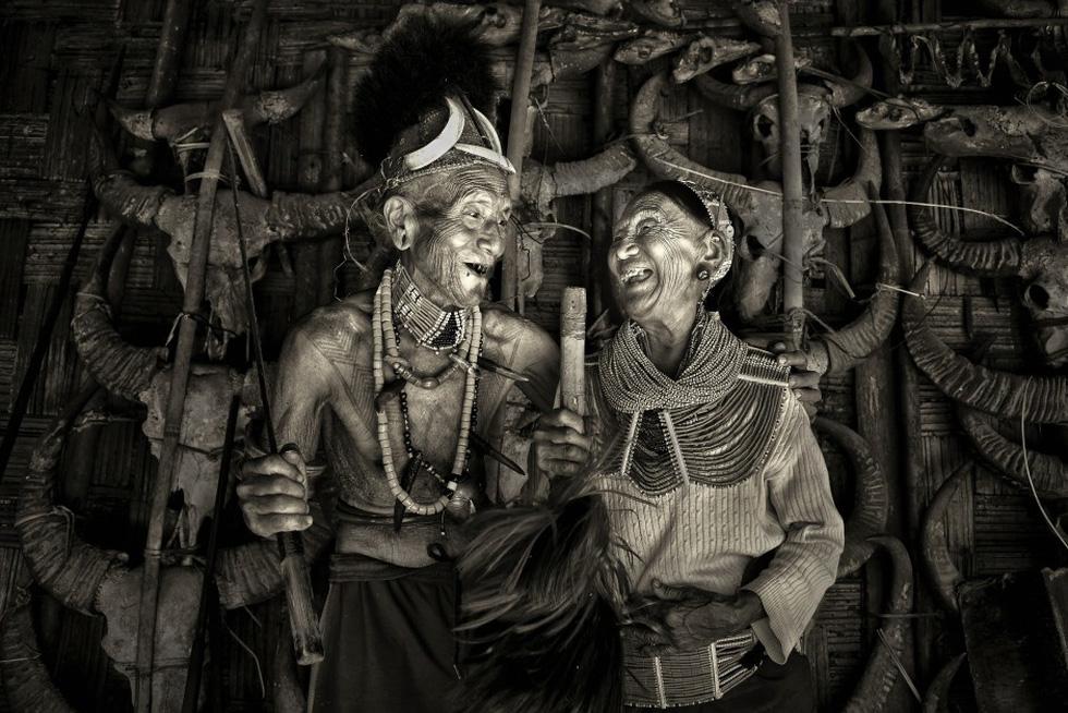 Hai cụ già Việt Nam mãi yêu vào top 50 giải ảnh quốc tế về tình yêu - Ảnh 4.