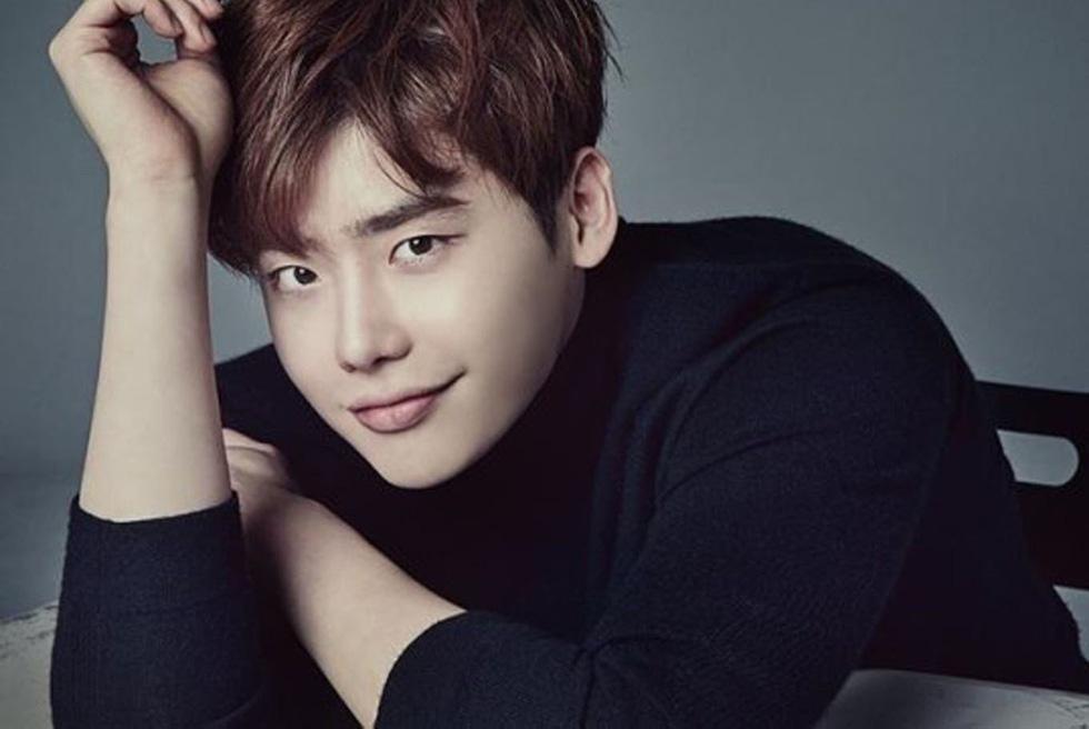 Ly hôn xong, Song Joong Ki vô top 'nam thần một mí' - Ảnh 5.