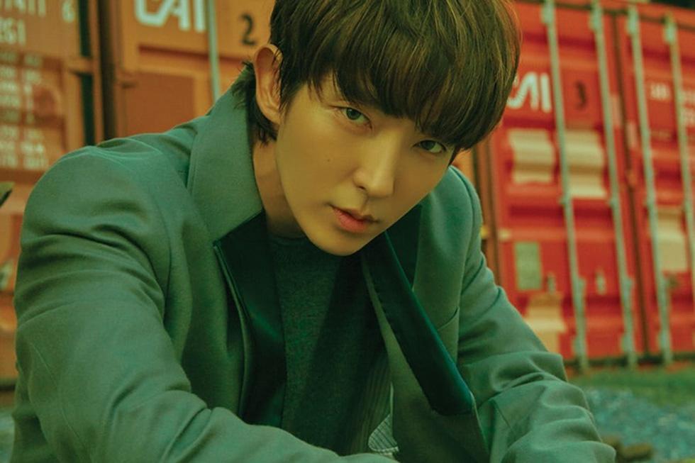 Ly hôn xong, Song Joong Ki vô top 'nam thần một mí' - Ảnh 8.