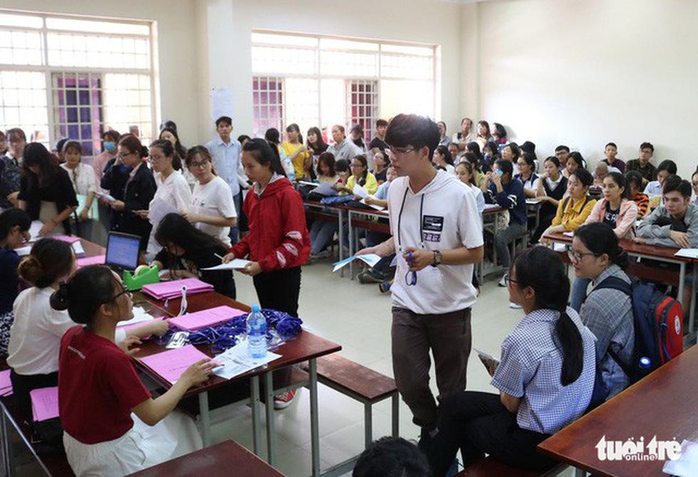 Cùng con lên Sài Gòn nhập học - Ảnh 6.