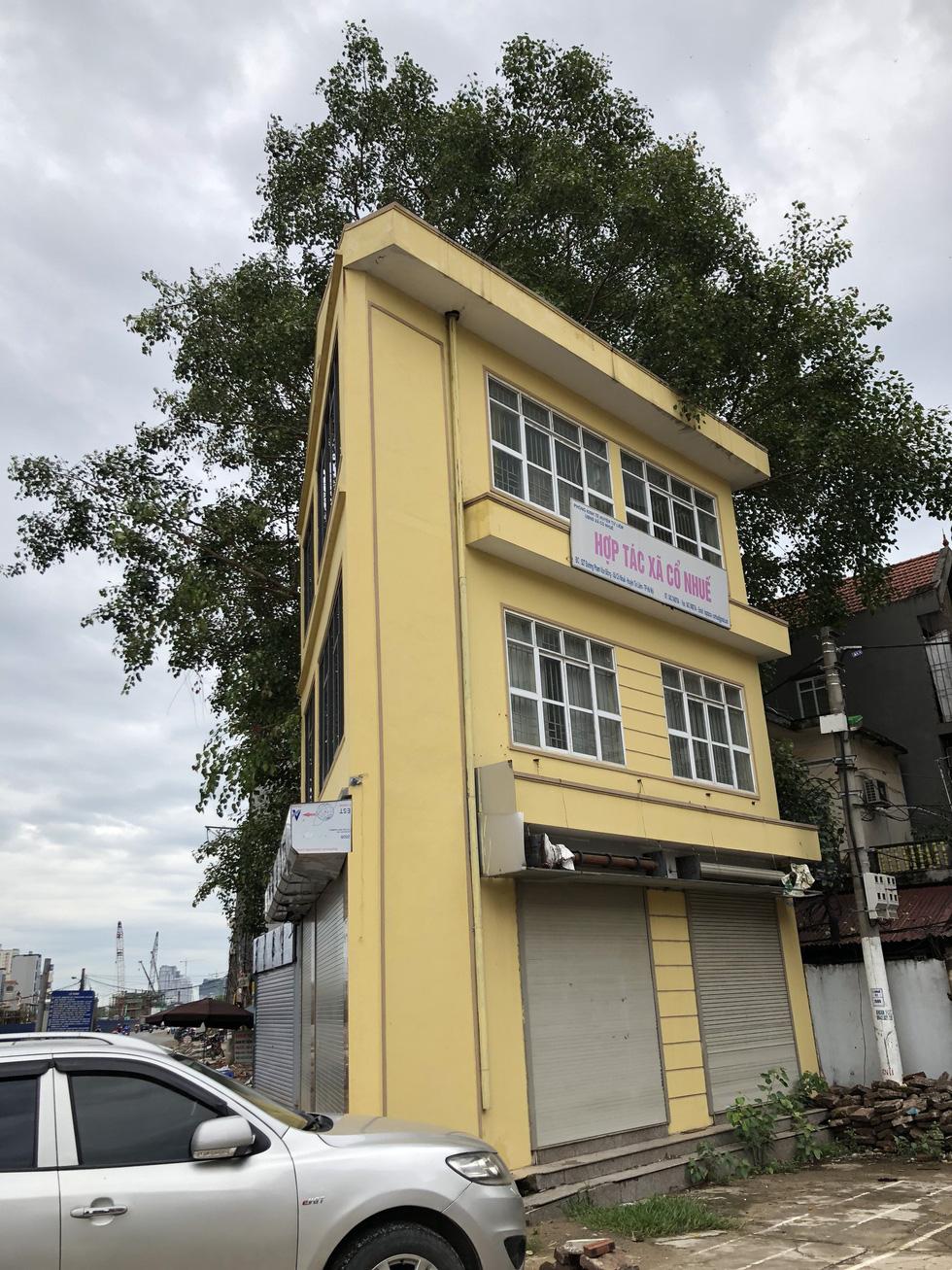 Những ngôi nhà kì dị chỉ có ở phố Phạm Văn Đồng - Ảnh 3.