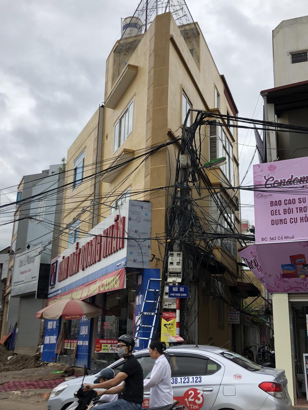 Những ngôi nhà kì dị chỉ có ở phố Phạm Văn Đồng - Ảnh 5.