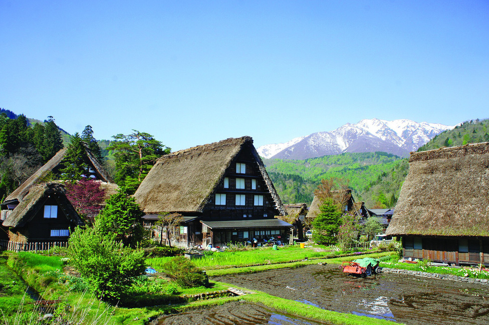 Làng du lịch nổi tiếng nhất Nhật Bản không có khách sạn - Ảnh 3.