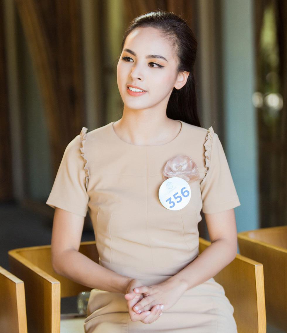 Hoa hậu Thế giới Việt Nam 2019 gọi tên nữ sinh Ngoại thương Hà Nội - Ảnh 11.