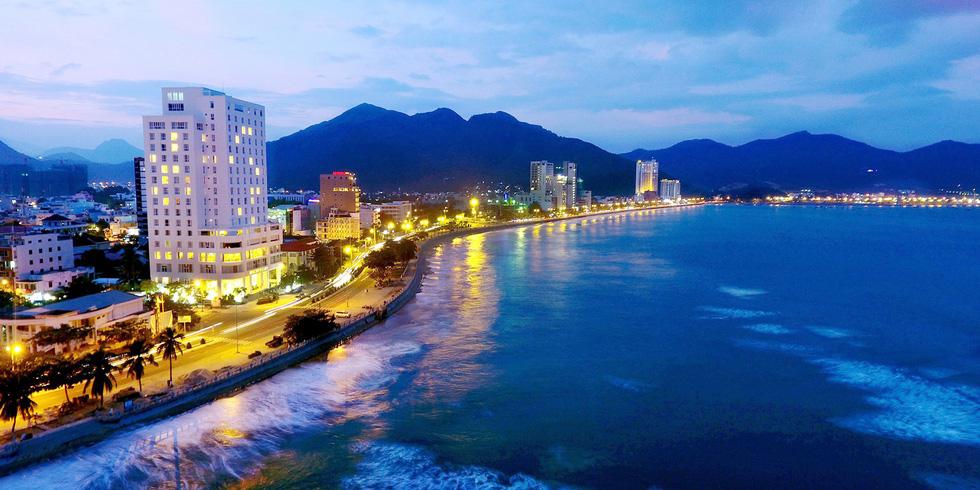 Phát triển kinh tế miền Trung: bây giờ hoặc không bao giờ! - Ảnh 1.