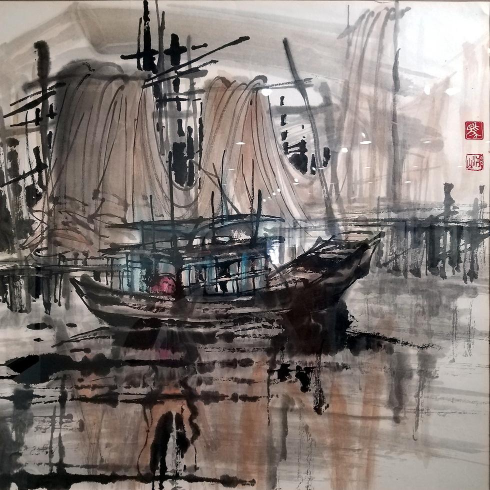 Hẻm Sài Gòn, bến Bình Đông và biển đảo vào tranh thủy mặc - Ảnh 2.