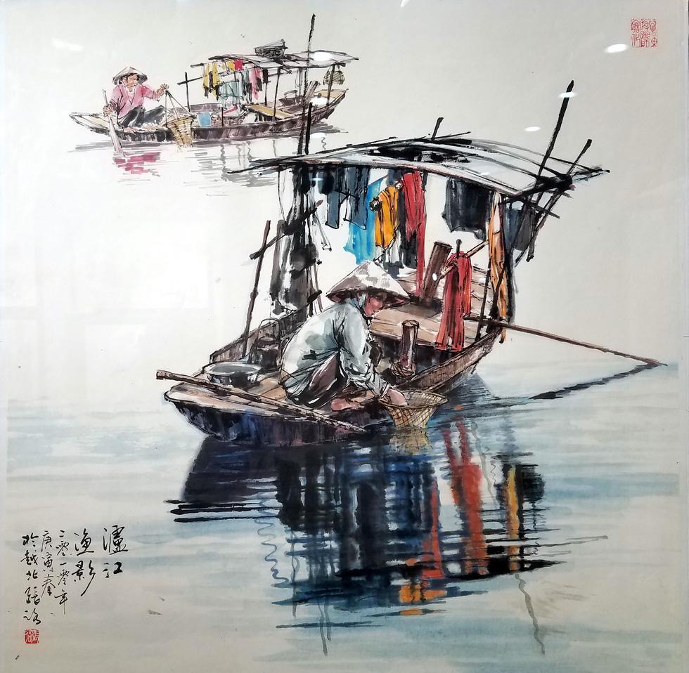 Hẻm Sài Gòn, bến Bình Đông và biển đảo vào tranh thủy mặc - Ảnh 9.