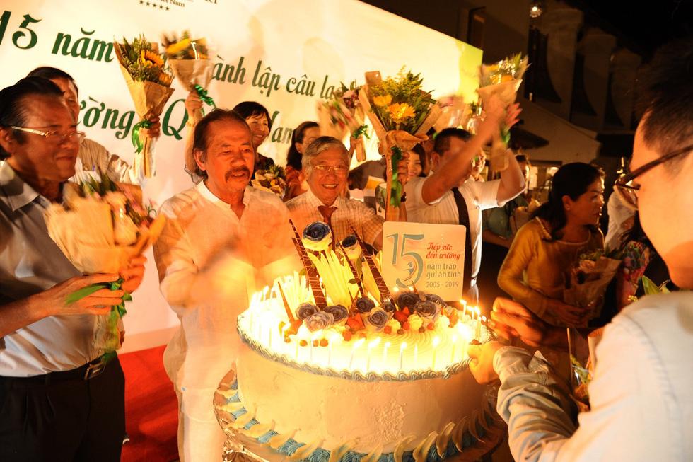 15 năm, hơn 1.700 tân sinh viên Quảng Nam- Đà Nẵng được tiếp sức đến trường - Ảnh 7.