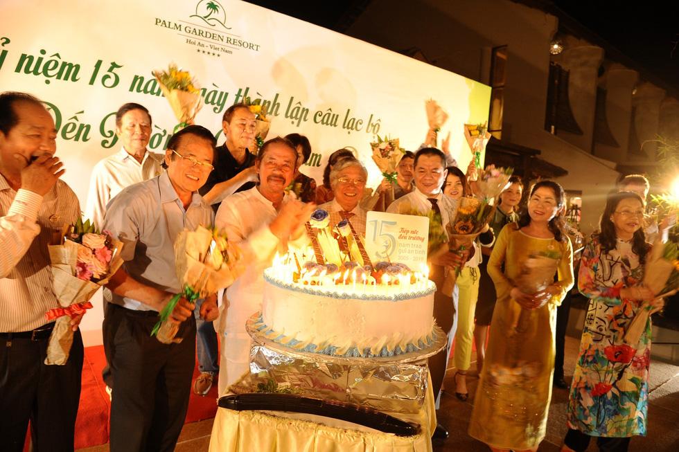 15 năm, hơn 1.700 tân sinh viên Quảng Nam- Đà Nẵng được tiếp sức đến trường - Ảnh 9.