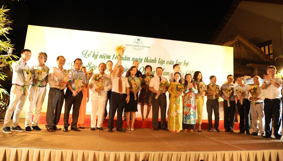 15 năm, hơn 1.700 tân sinh viên Quảng Nam- Đà Nẵng được tiếp sức đến trường - Ảnh 10.