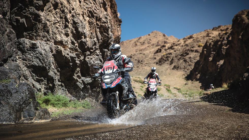 BMW Motorrad lần đầu tổ chức Vòng loại GS Trophy Việt Nam - Ảnh 1.