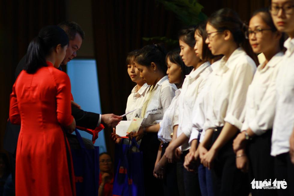 Trao 150 suất học bổng Tiếp sức đến trường cho tân sinh viên Quảng Nam - Đà Nẵng - Ảnh 3.