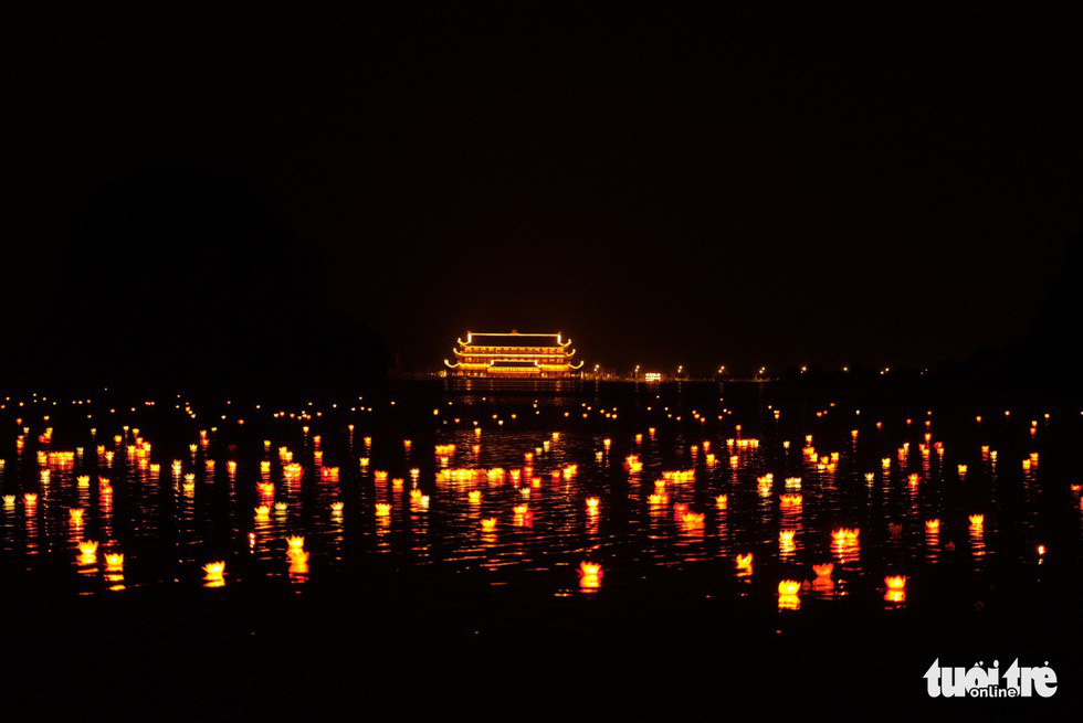 Xôn xao quanh chuyện 30.000 hoa đăng thả xuống vịnh Lan Hạ gây ô nhiễm - Ảnh 6.