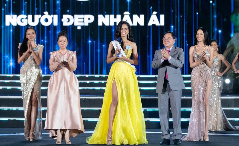 Hoa hậu Thế giới Việt Nam 2019 gọi tên nữ sinh Ngoại thương Hà Nội - Ảnh 6.