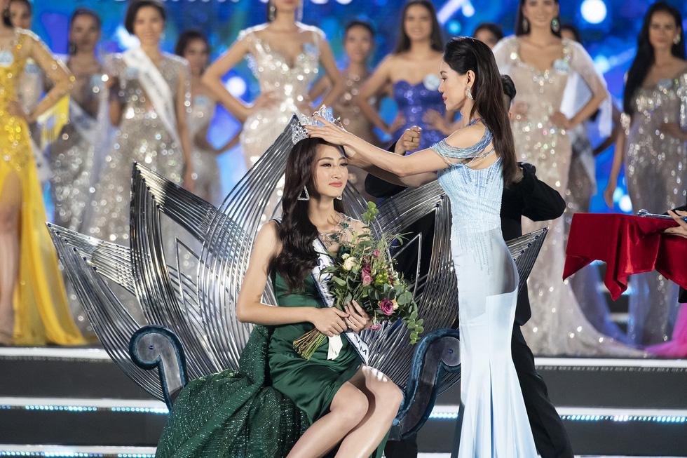 Ngắm bộ ảnh của tân Hoa hậu Thế giới Việt Nam 2019 Lương Thùy Linh - Ảnh 4.