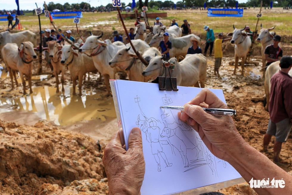 Bình dị mà rạng rỡ trên cánh đồng lúa Tà Pạ ở Tri Tôn - Ảnh 7.