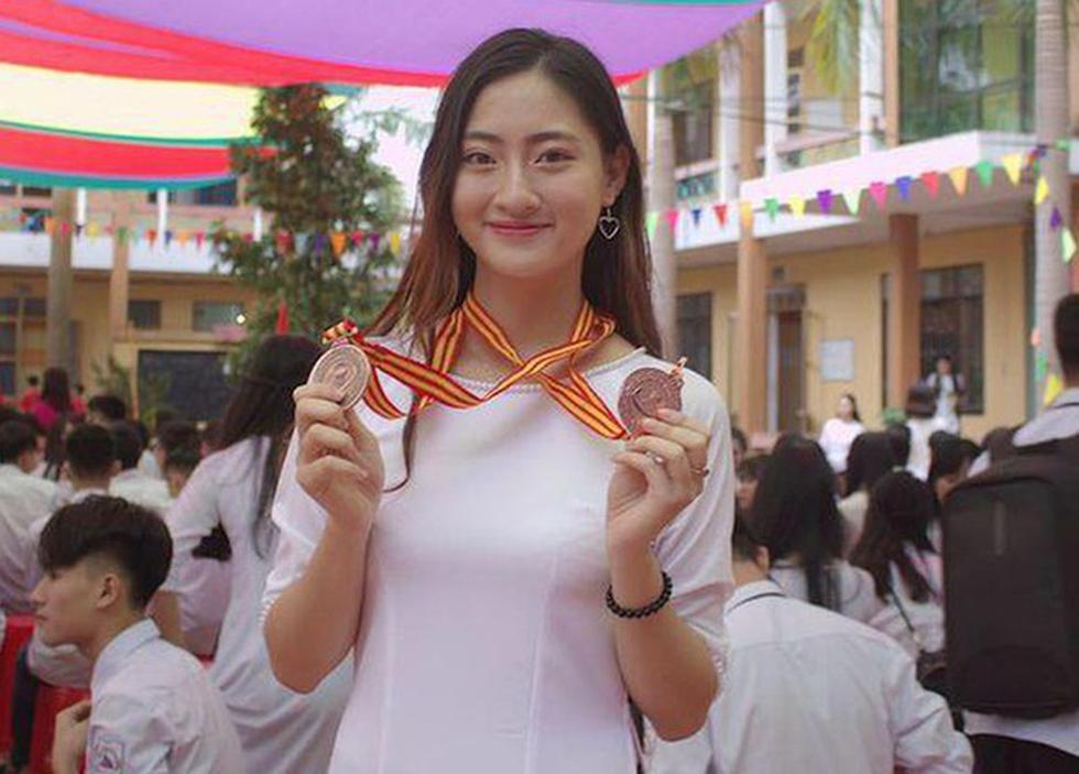 Hoa hậu Lương Thùy Linh: Nữ sinh ngoại thương giỏi Toán, IELTS 7.5 - Ảnh 3.
