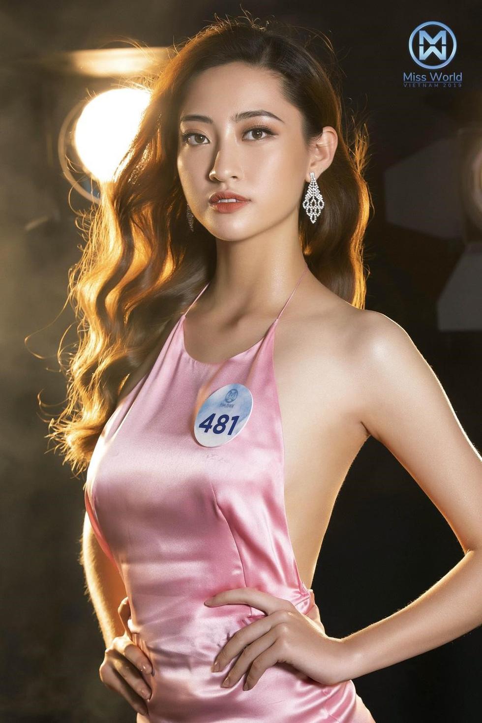 Hoa hậu Lương Thùy Linh: Nữ sinh ngoại thương giỏi Toán, IELTS 7.5 - Ảnh 11.