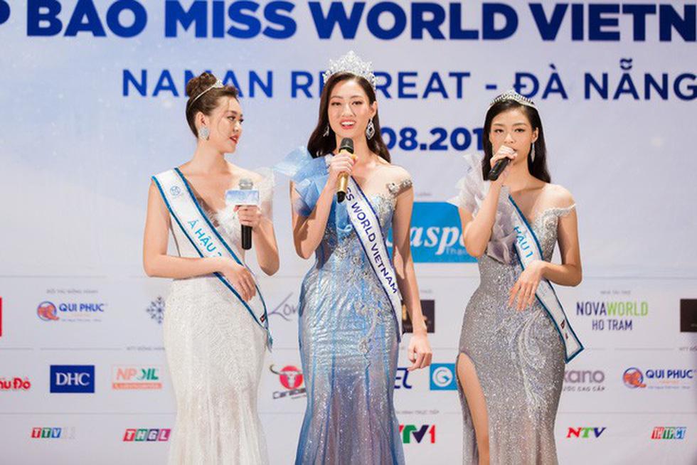 Hoa hậu Lương Thùy Linh: Tập trung hết sức vào việc học nên chưa có bạn trai - Ảnh 4.