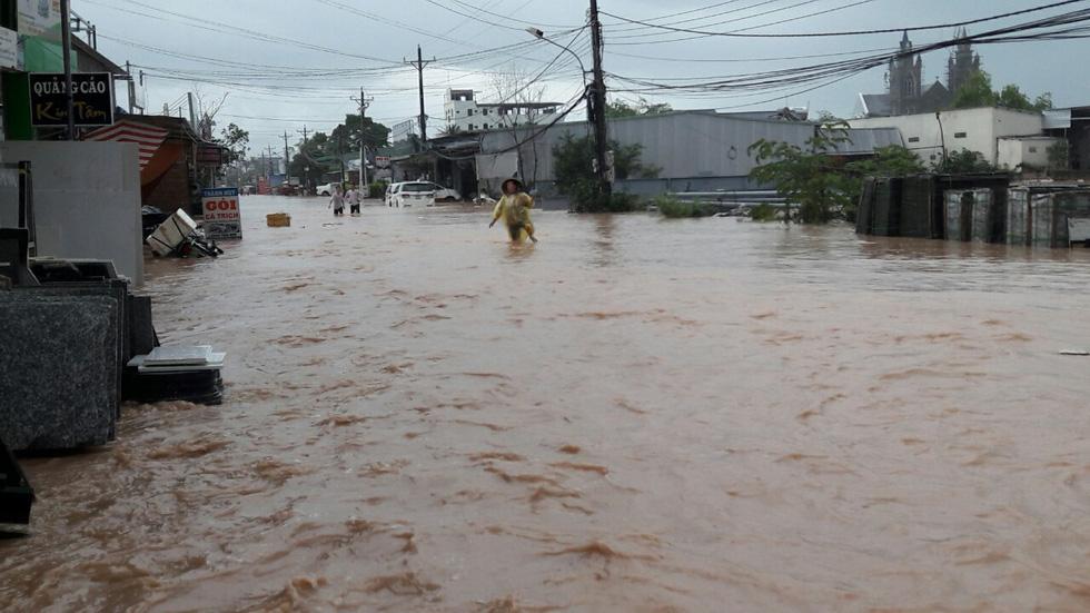 Hình ảnh đảo ngọc Phú Quốc thành đảo ngập chưa từng thấy - Ảnh 4.