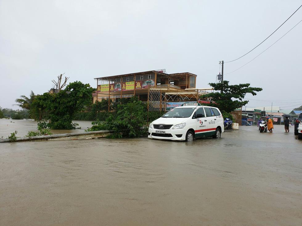 Hình ảnh đảo ngọc Phú Quốc thành đảo ngập chưa từng thấy - Ảnh 7.