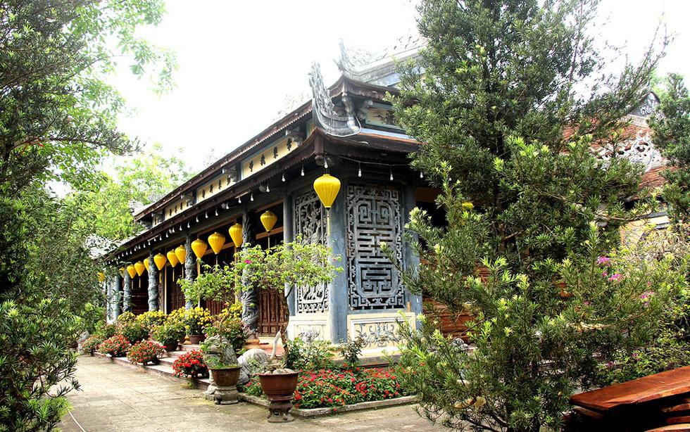 Sau tổ đình Từ Hiếu, chùa Quốc Ân lại tháo dỡ để dựng... to đẹp hơn! - Ảnh 1.