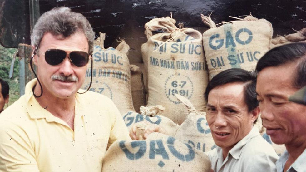 Graham Alliband: Cựu đại sứ 47 năm gắn bó với Việt Nam - Ảnh 1.