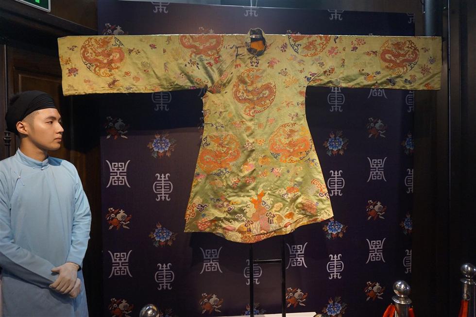 Phượng Khấu sẵn sàng nhận tranh cãi về trang phục xưa trong phim - Ảnh 7.