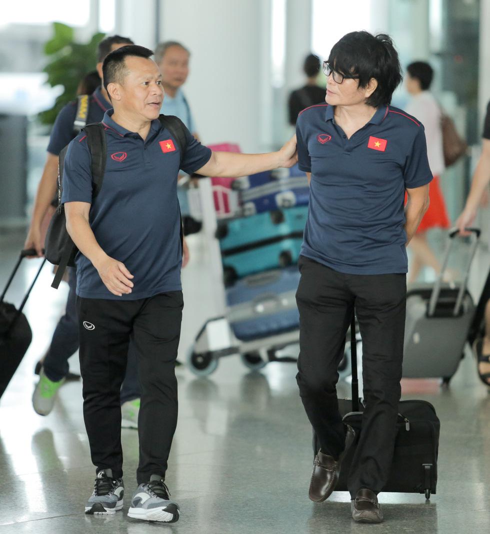 Tuyển thủ Việt Nam tự tin trong ngày sang Thái Lan thi đấu - Ảnh 3.
