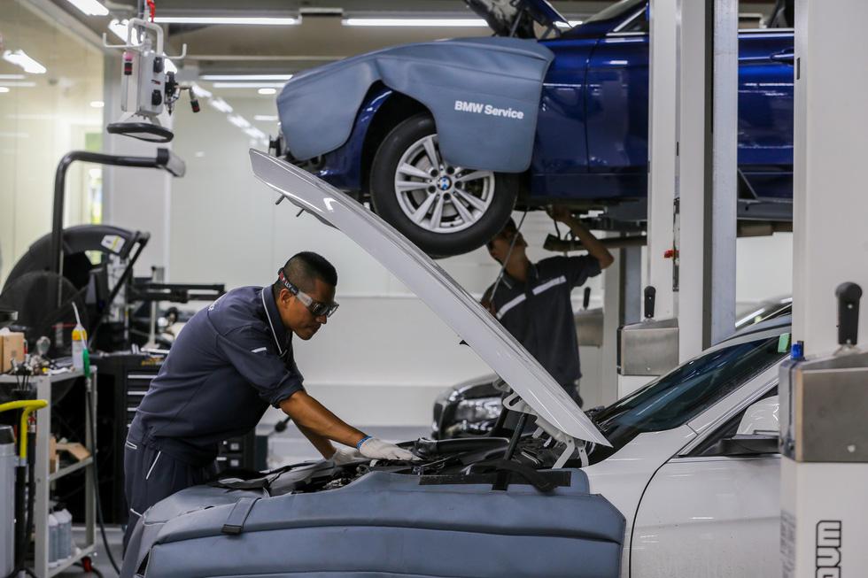 Khách hàng BMW sẽ được chuyên gia từ Anh tư vấn chăm sóc xe - Ảnh 1.