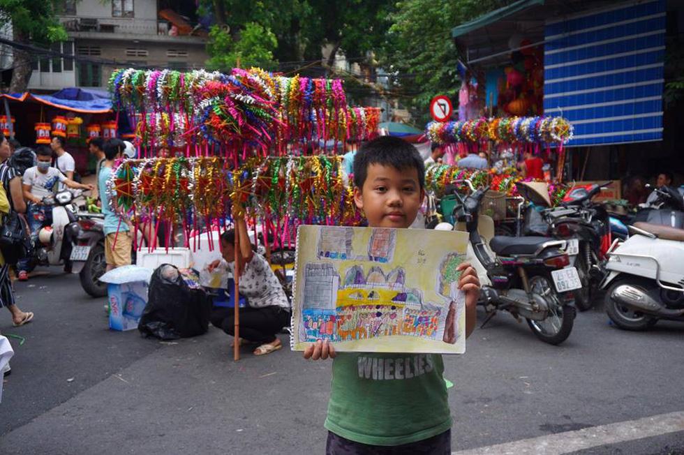 Ký họa đô thị Hà Nội: Những người vẽ bằng tình yêu... - Ảnh 9.
