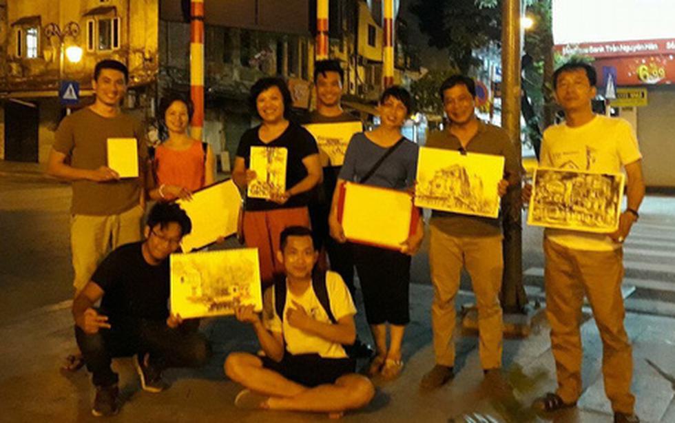 Ký họa đô thị Hà Nội: Những người vẽ bằng tình yêu... - Ảnh 8.