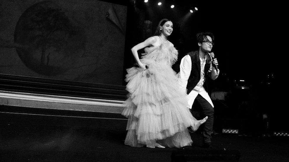 Live concert Truyện ngắn của Hà Anh Tuấn: trong trẻo và chân thành! - Ảnh 9.