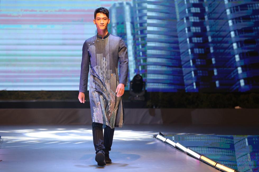 Quán quân Mister Việt Nam 2019 trị giá 1 tỉ đồng chia cho 2 người mẫu - Ảnh 6.